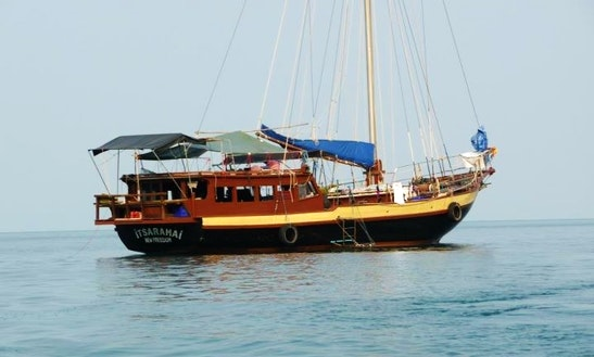 Indonesian Wooden Yacht Private Cruises Koh Phangan, Koh Samui
