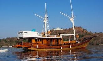 Warisan Komodo Cruise Charter in Indonesia