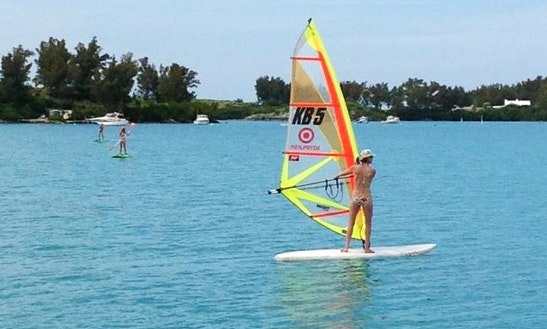 Windsurfing In Hamilton