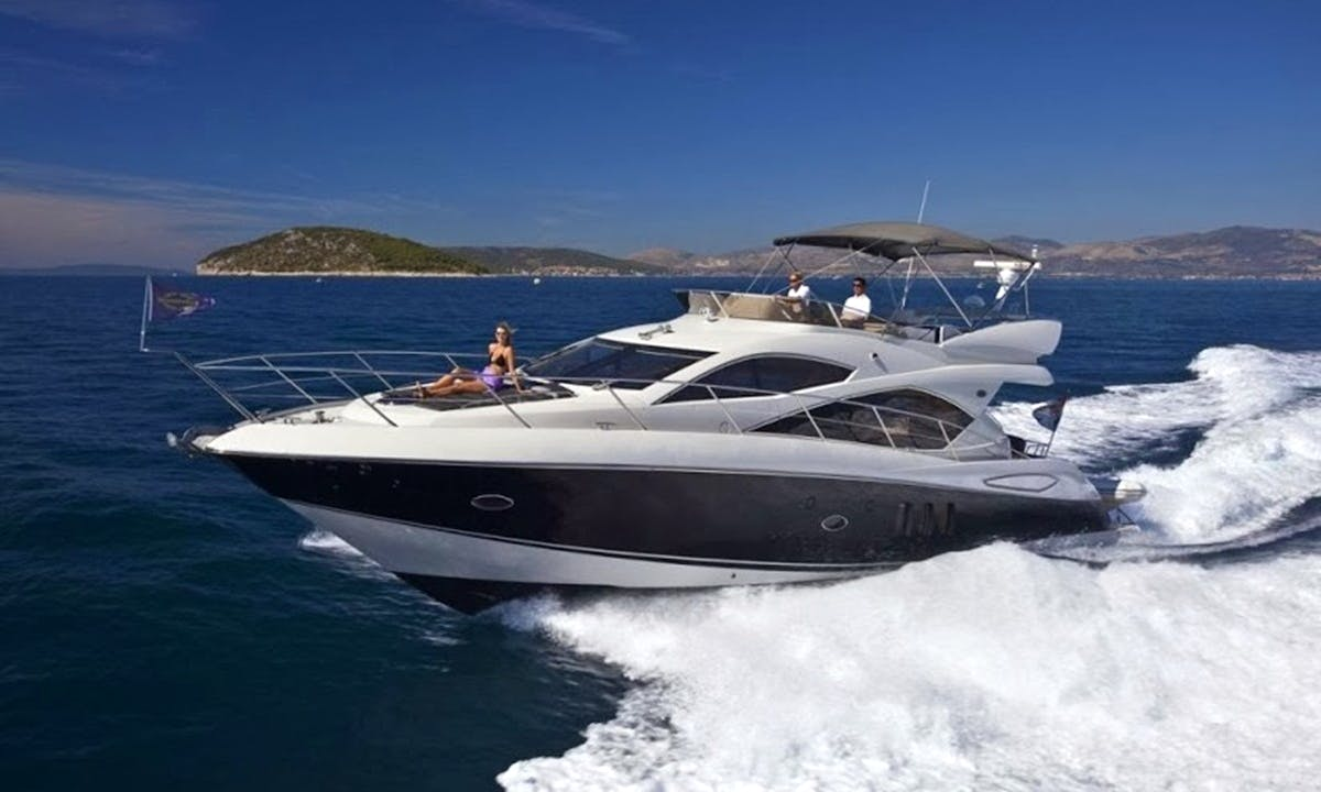 53' Sunseeker Motor Yacht Hire in San Roque