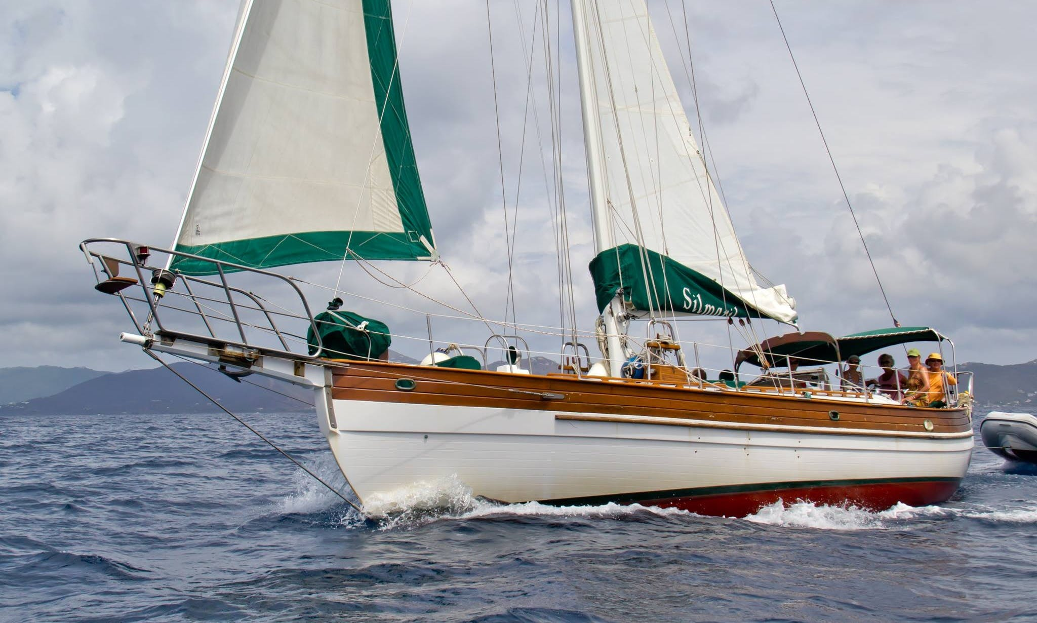 Sailing Yacht Charter in Peter Island