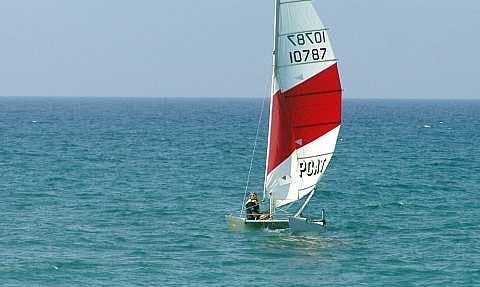 Hire Topcat F2 Sailing Catamaran In Alcúdia
