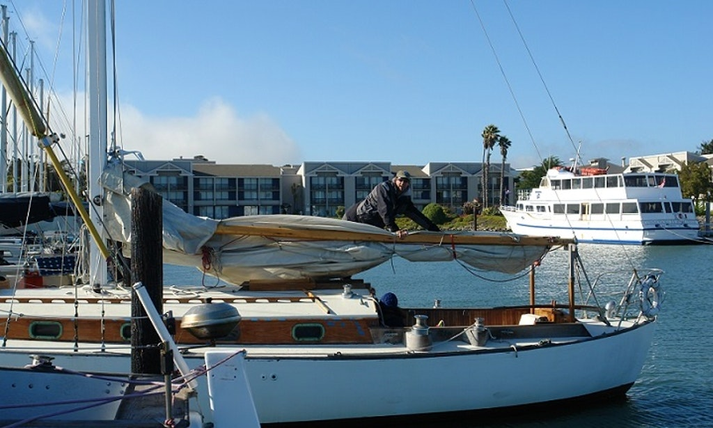 Captained sailing charters on the san francisco bay for Motor boat rental san francisco