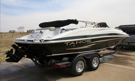 19' Tahoe Deck Boat Rental In Fresno, California