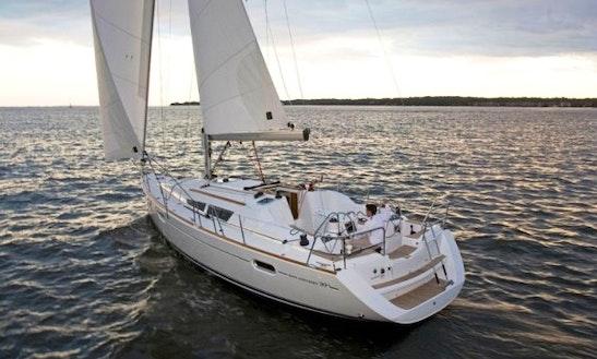 Cruising Monohull ''jeanneau Sun Odyssey 39i Kortgene'' Charter In Kortgene