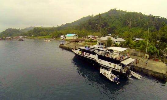 80' Kaimana Surf Charter In Sumatra