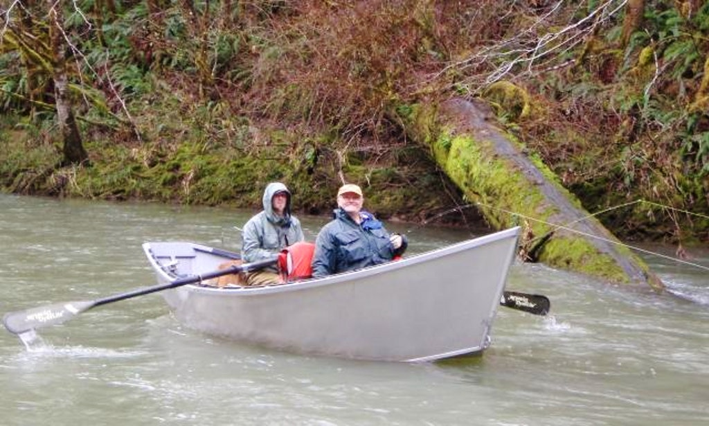 Two dudes two boats trips in eugene oregon getmyboat for Fishing eugene oregon