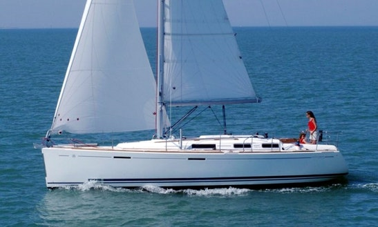 Cruising Monohull Luxurious 'dufour 365 Gl' Charter In Haute-normandie