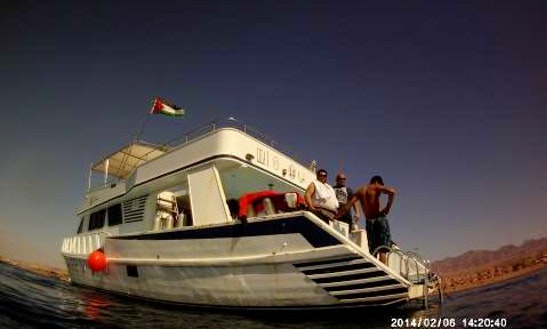 Motor Yacht Rental In Aqaba