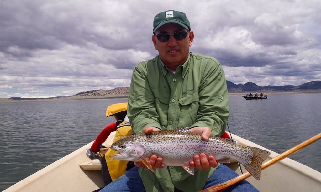 Guided lake float trip on power boat in breckenridge for Colorado fishing guide