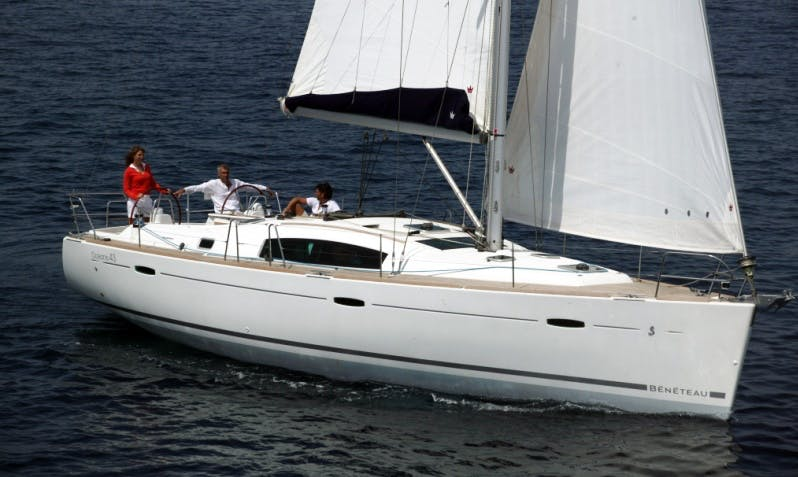 Cruising Monohull Luxurious 'Beneteau Oceanis 43 Saphiso II' Charter in Betina