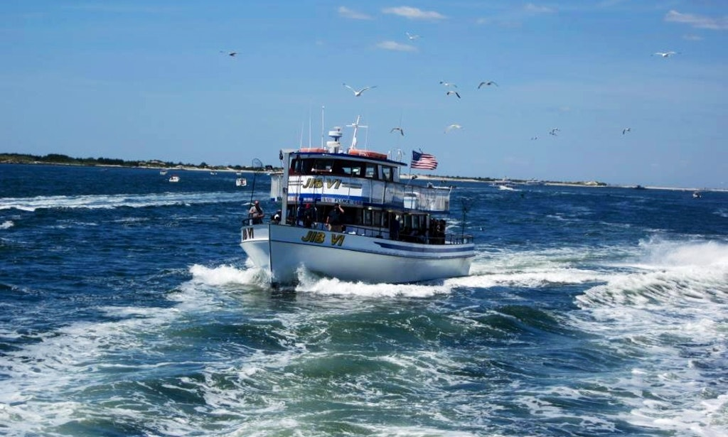 Fishing charter on 65ft jib vi head boat in bay shore for Fishing trips nyc