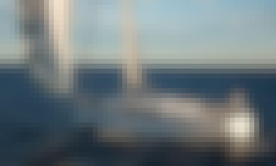 Bavaria 41 Cruiser Cruising Monohull Rental in Saint-Mandrier-sur-Mer, France