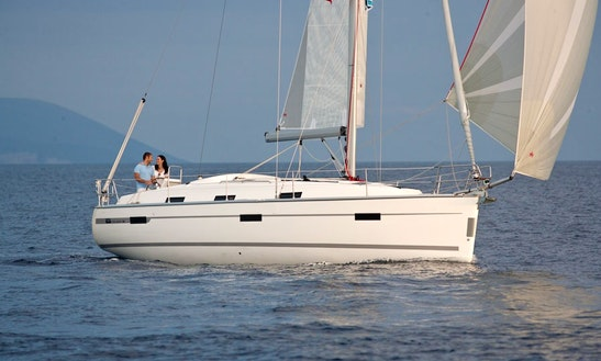 Bavaria Cruiser 36 Cruising Monohull Rental In Saint-mandrier-sur-mer, France