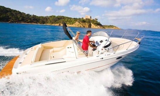 Bayliner Avanti 8 Boat Rental In France
