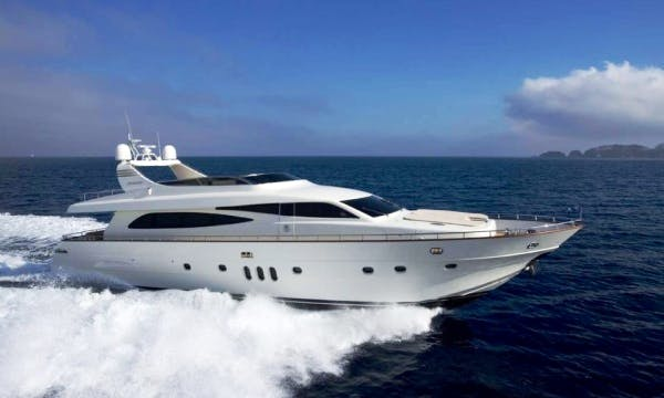 """Charter """"Canados 86"""" Motor Yacht In France"""