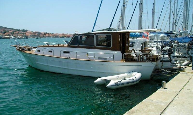 42' Woodedn Motor Yacht In Murter