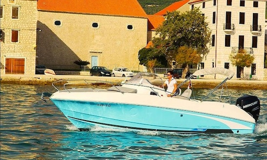 Flyer 750 Sundeck Boat For Rent In L'escala
