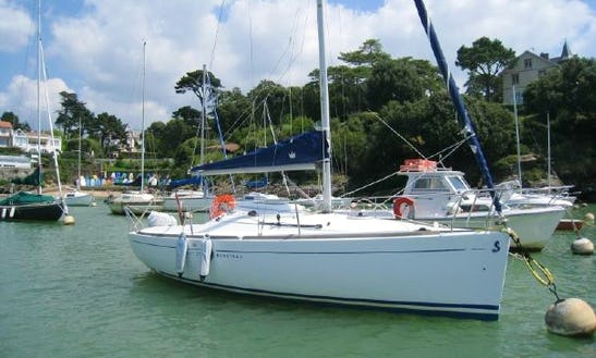 Beneteau First 211 Cruising Monohull Rental In Baden, France