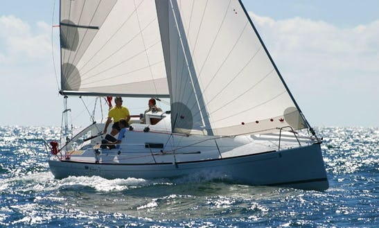 27' Beneteau First 27.7 Cruising Monohull Rental In Baden, France