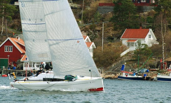 32' Jeanneau Sun Fast 3200 Cruising Monohull Rental In Baden, France