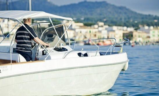 Charter Luxury Boat Astec 600 In Alcúdia