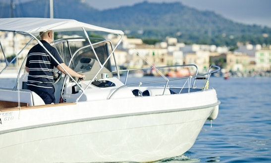 Charter Luxury Boat Astec 600 In Alcúdia