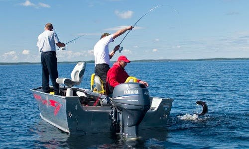18' Lund Outfitter Fishing Boat Rental in Alberta