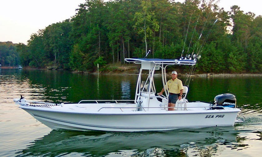 19' Sea Pro Center Console Fishing Charter in Flowery Branch