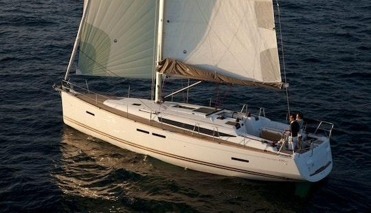 Cruising Monohull Luxurious ''sun Odyssey 439'' Charter In Nieuwpoort