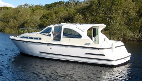 Luxury Motor Yacht 'limerick Class' Charter In Limerick