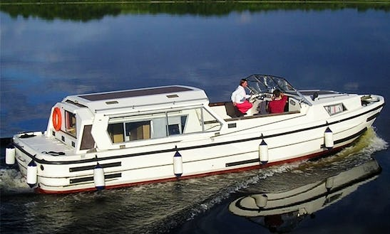 Luxury Motor Yacht 'lough Ree 1135' Charter In Limerick