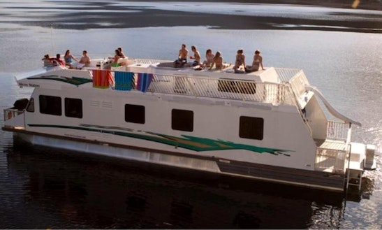 Houseboat Cruisecraft For Rent In Port Alberni