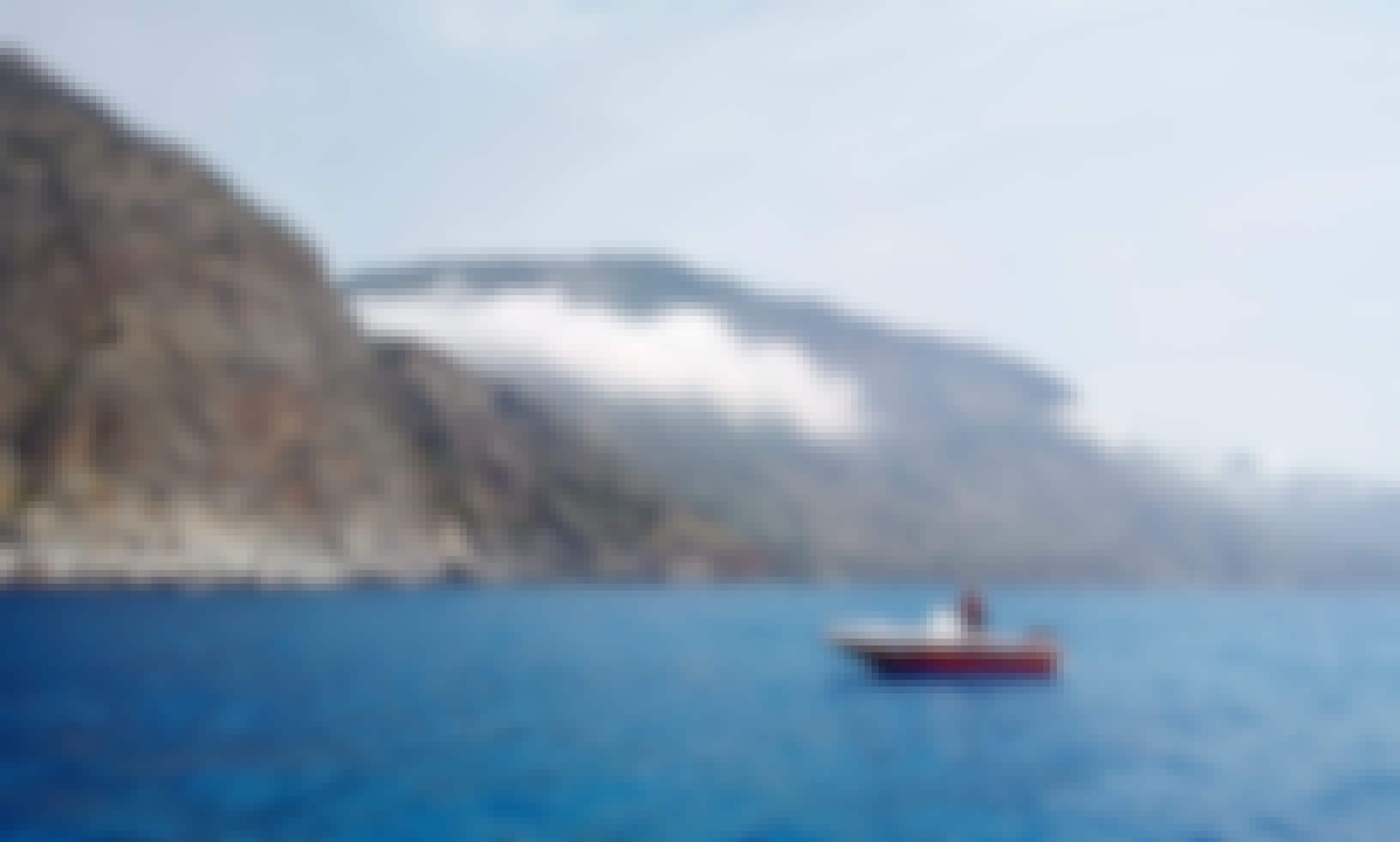 30hp 5,5m motorboat in Chora Sfakion, Greece