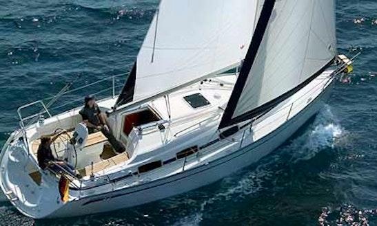 Luxury Cruiser ''bavaria 32 Cruiser'' Charter In Perros-guirec