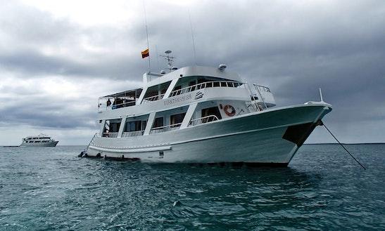 Guantamera Yacht Cruise To Islas Galápagos