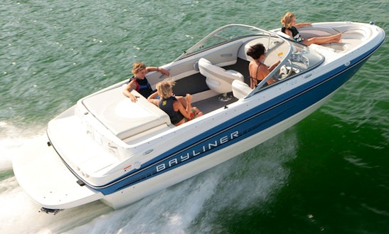 8 Person Bayliner 195 Bowrider For Rent In Lombardia, Italy