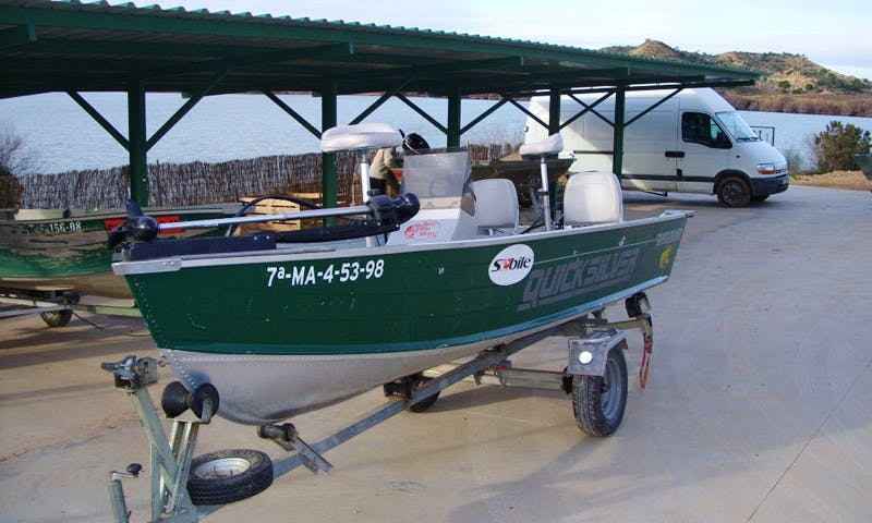 Carp Fishing Trip for 3 Brave Person in Caspe, Spain