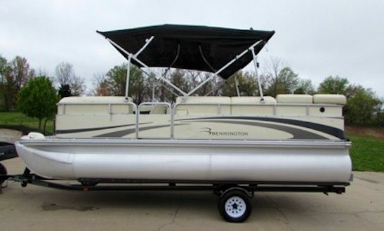 20' Pontoon Boat Rental In Ontario