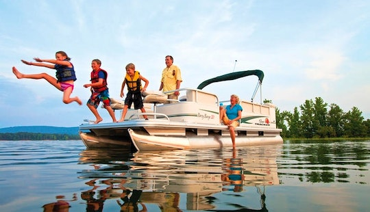 Enjoy Party With 'party Barge' In Austin