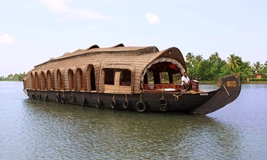 Four bedroom houseboat for rent in alappuzha getmyboat for Houseboats for rent in california