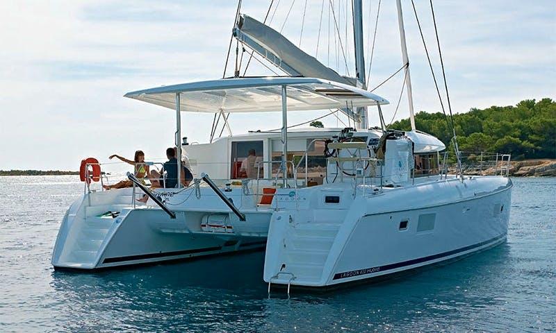 "42ft ""Lagoon"" Cruising Catamaran Boat Charter in Honolulu Hawaii"