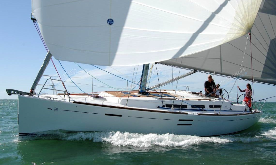"Luxury ""DUFOUR 40′ PERFORMANCE"" Cruising Monohull Charter in Spain"