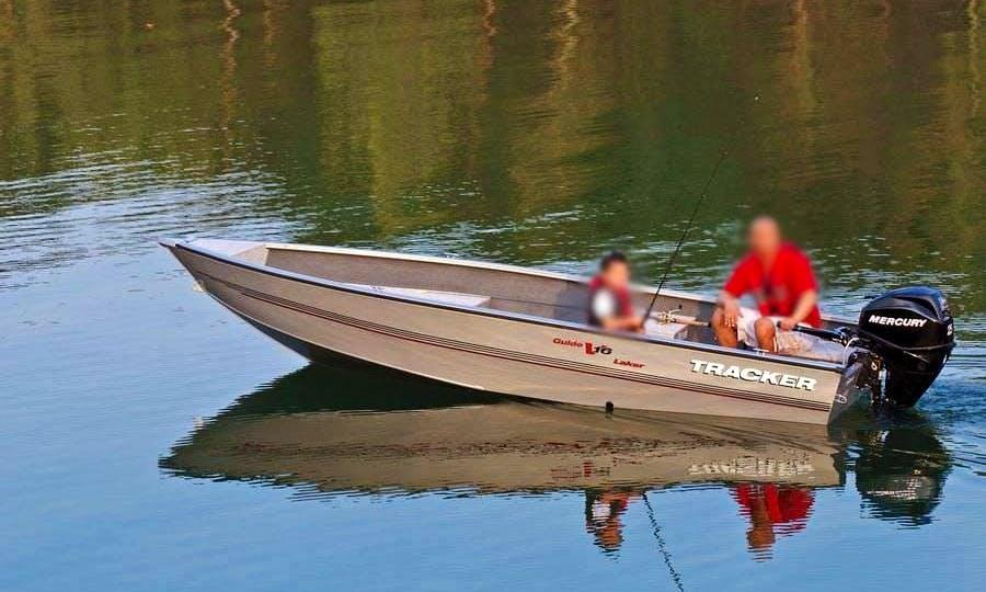 16' Deep V Aluminum Boat In Moffet