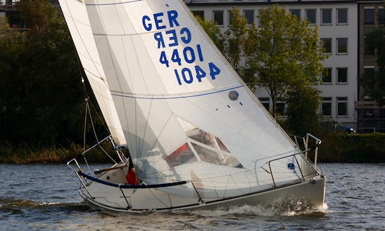 J/24 Keelboat Daysailer Charter In Falmouth, Uk