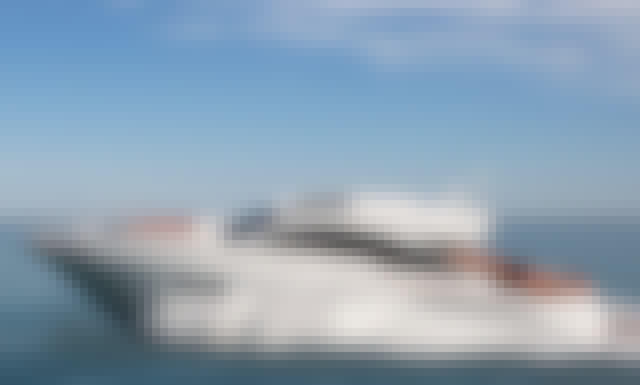Luxurious Motor Yacht ''Fairline Targa 62GT'' Charter in Spain