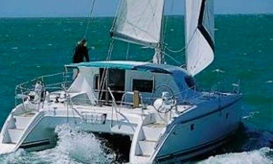 Charter This 40' Sailing Catamaran In San Blas, Panama
