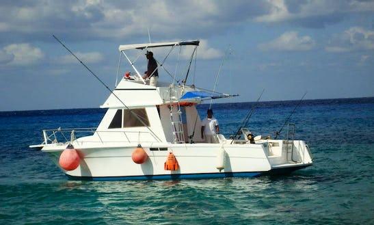 32ft Sport Fisherman Boat Charter In Cozumel, Mexico