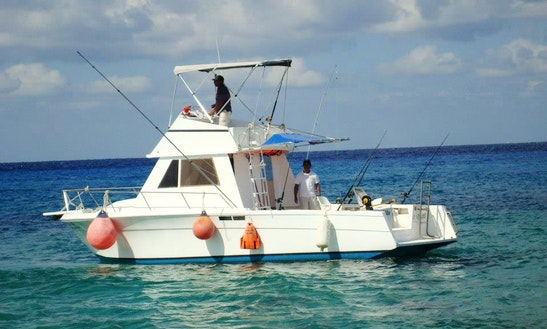 32ft Sport Fisherman Boat Charter In Cozumel, Mexico