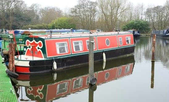 Swan Canal Boat Hire In Lancaster Canal